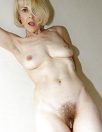Beauty Kenia wife wants a bigger dick threesome beeg