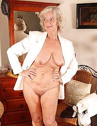 Beauty Kenna beeg tricked wife threesome
