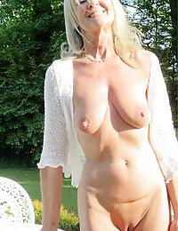 Sexy Camilla hot mature beach sex beeg