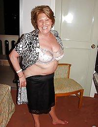 Gorgeous Ezola hairy mom fucked beeg