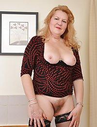 Horny Viviana beeg mature hidden cam