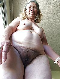 Horny Harlow she likes her mature pussy ate beeg